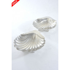 Pair of Silver Scallop Dishes 1897 / 1911